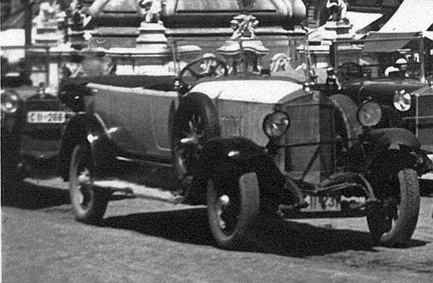 Steyr_Tourenwagen_Linz_1936_Ausschnitt2
