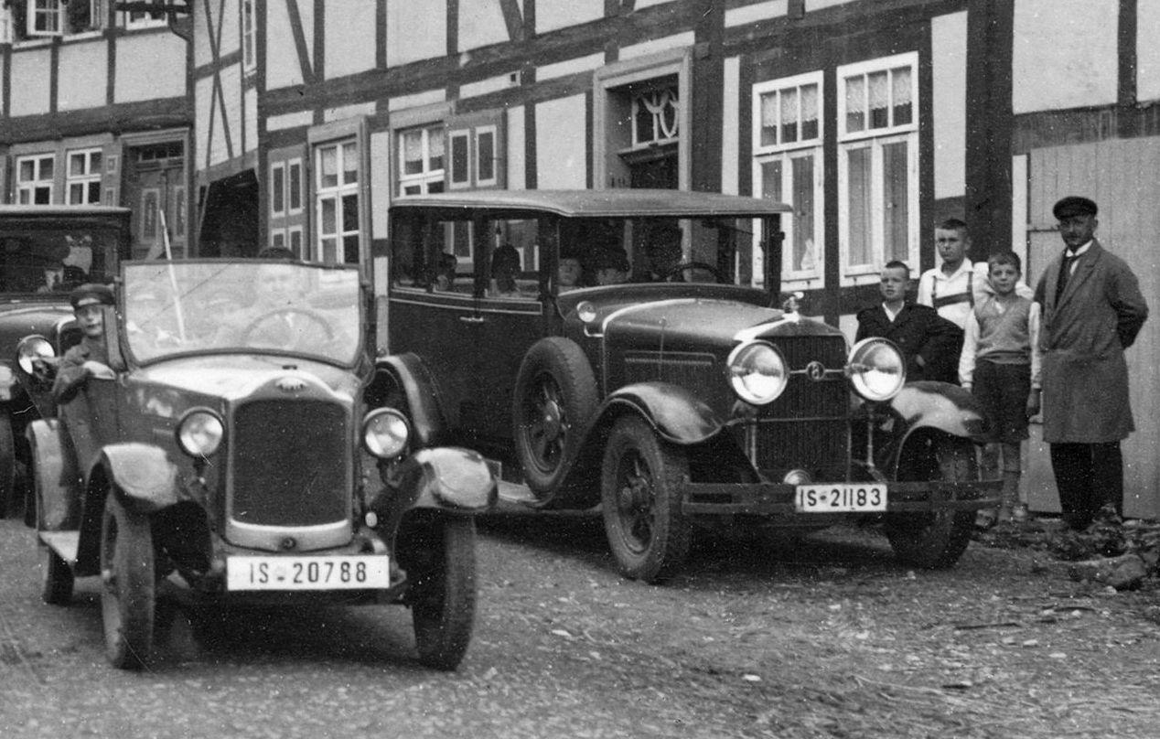 Horch_350_Opel_4-20_PS_Ausschnitt_1