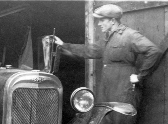 Opel_4-12_PS_Unfallwagen_Ausschnitt