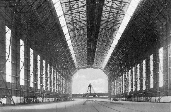 Zeppelin_Luftschiffhalle_Frankfurt_innen