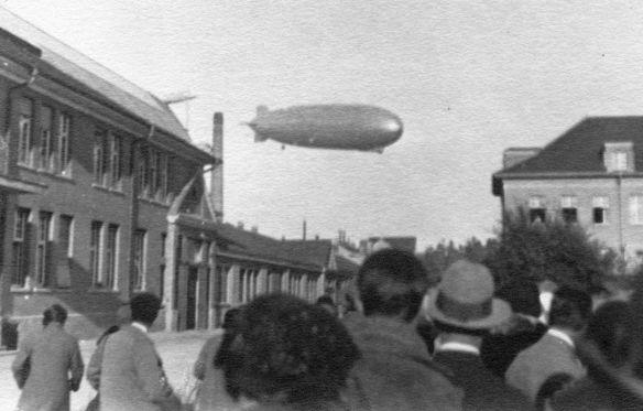 Zeppelin_Luftschiffhalle_Frankfurt_LZ_127_Landung1