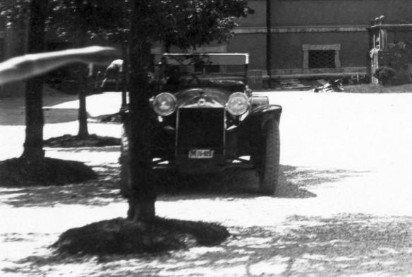 Lancia_Lambda_Schloss_Hellbrunn_Salzburg_07-1928_Ausschnitt
