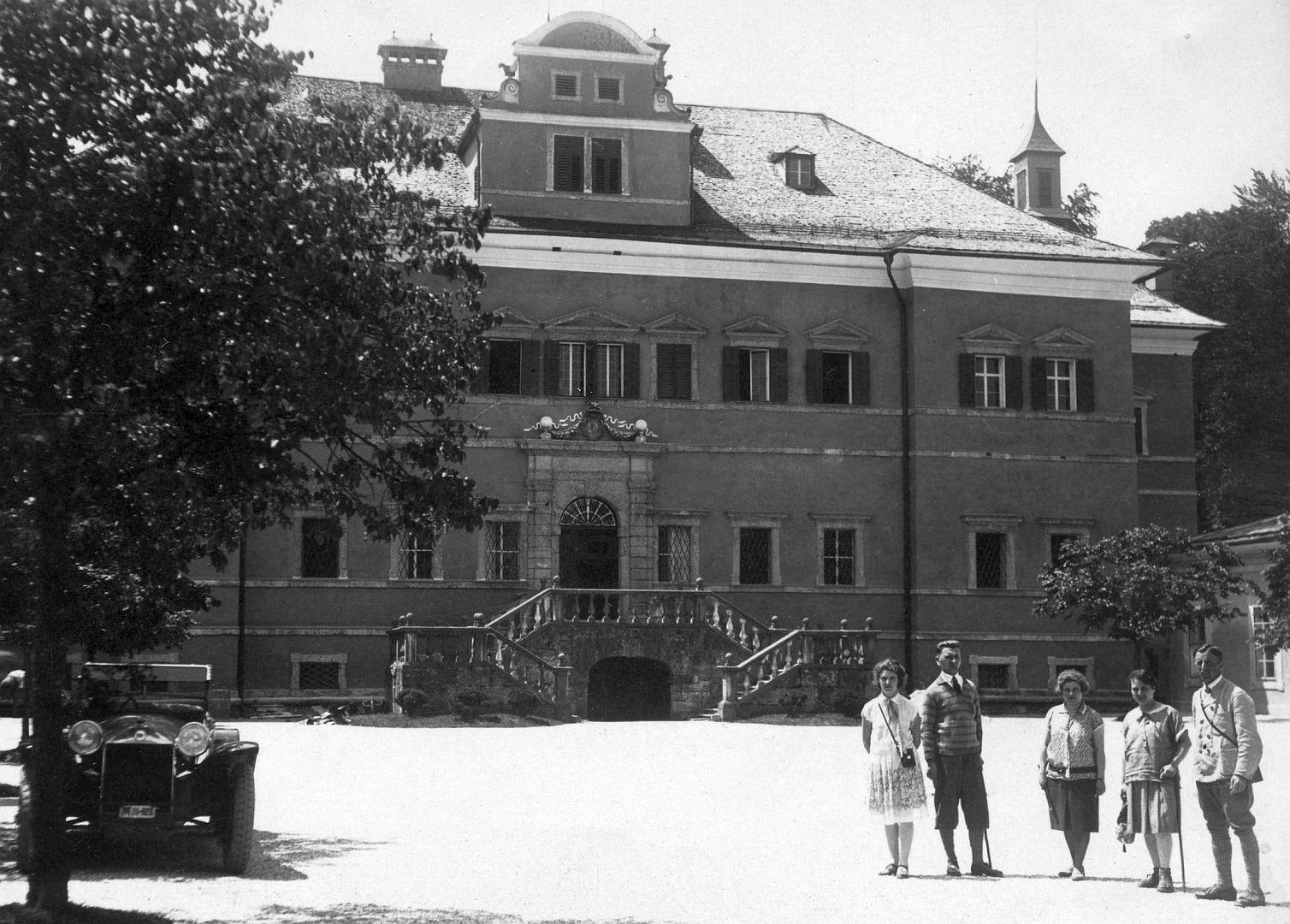 Lancia_Lambda_Schloss_Hellbrunn_Salzburg_07-1928_Galerie
