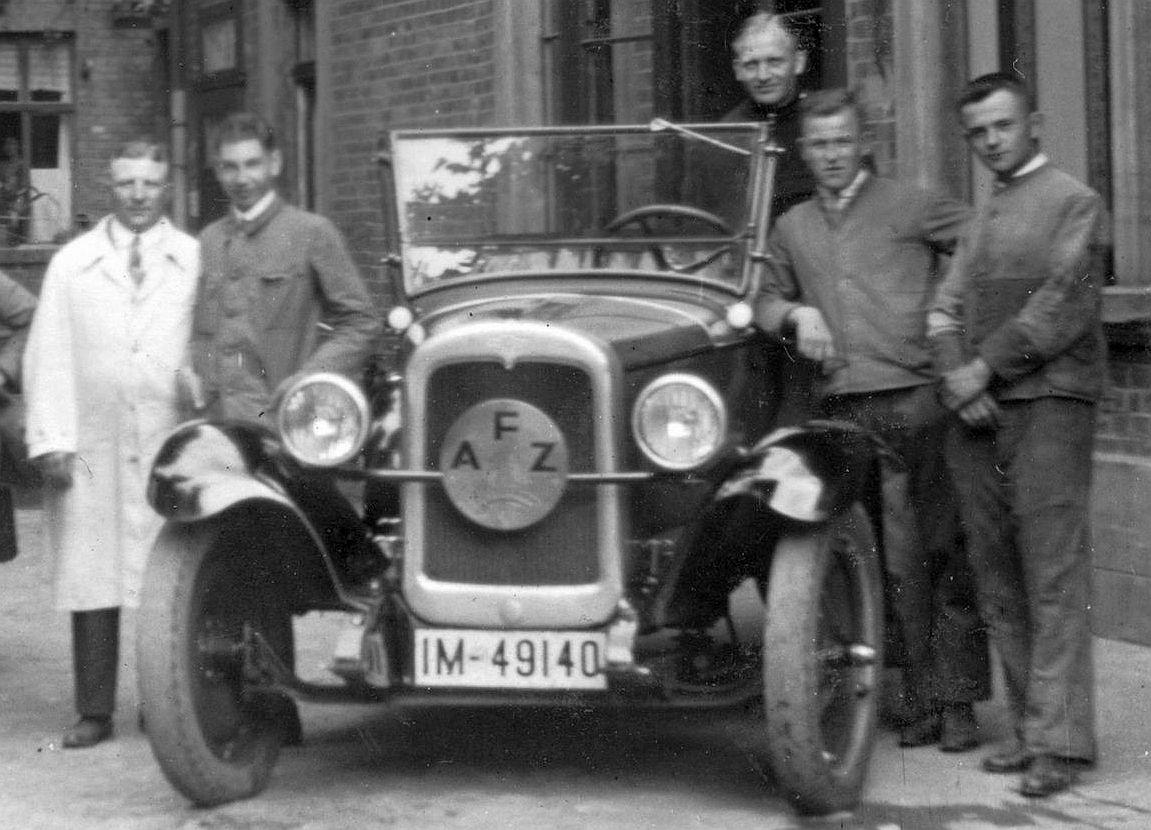 NSU_6-30_PS_und_Chevrolet_Halberstadt_1928_Ausschnitt2