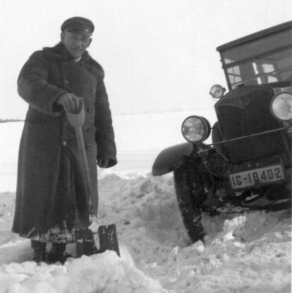 Protos_Typ_C_10-30_PS_Chauffeur_Thiergart_Winter_1930_Galerie