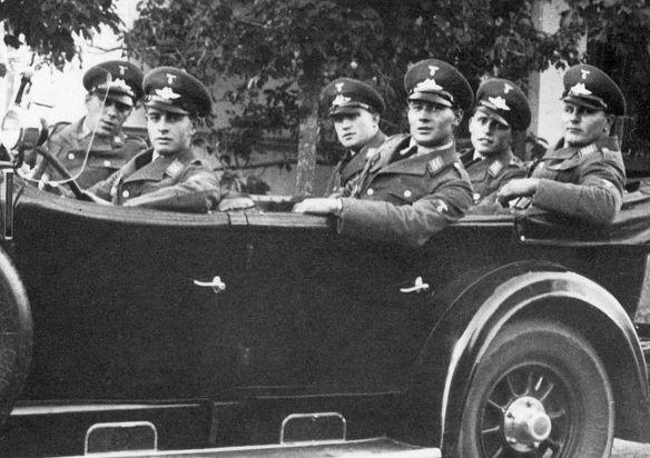 Stoewer_G15_oder_M12_Luftwaffe_Insassen