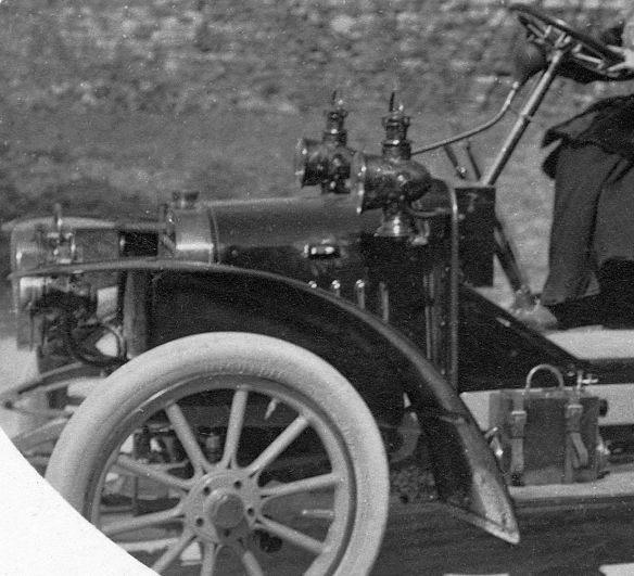 Lion-Peugeot_VC2_frz_Ak_1909_Frontpartie