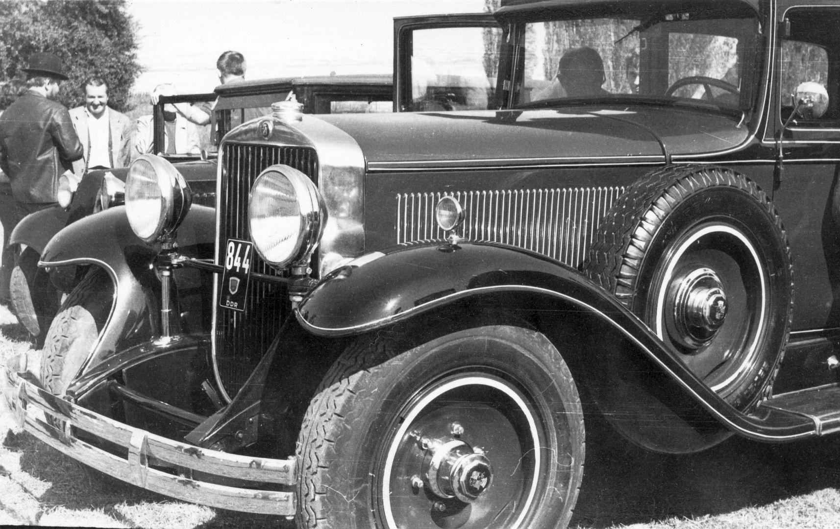 Cadillac_1930_DDR_Galerie