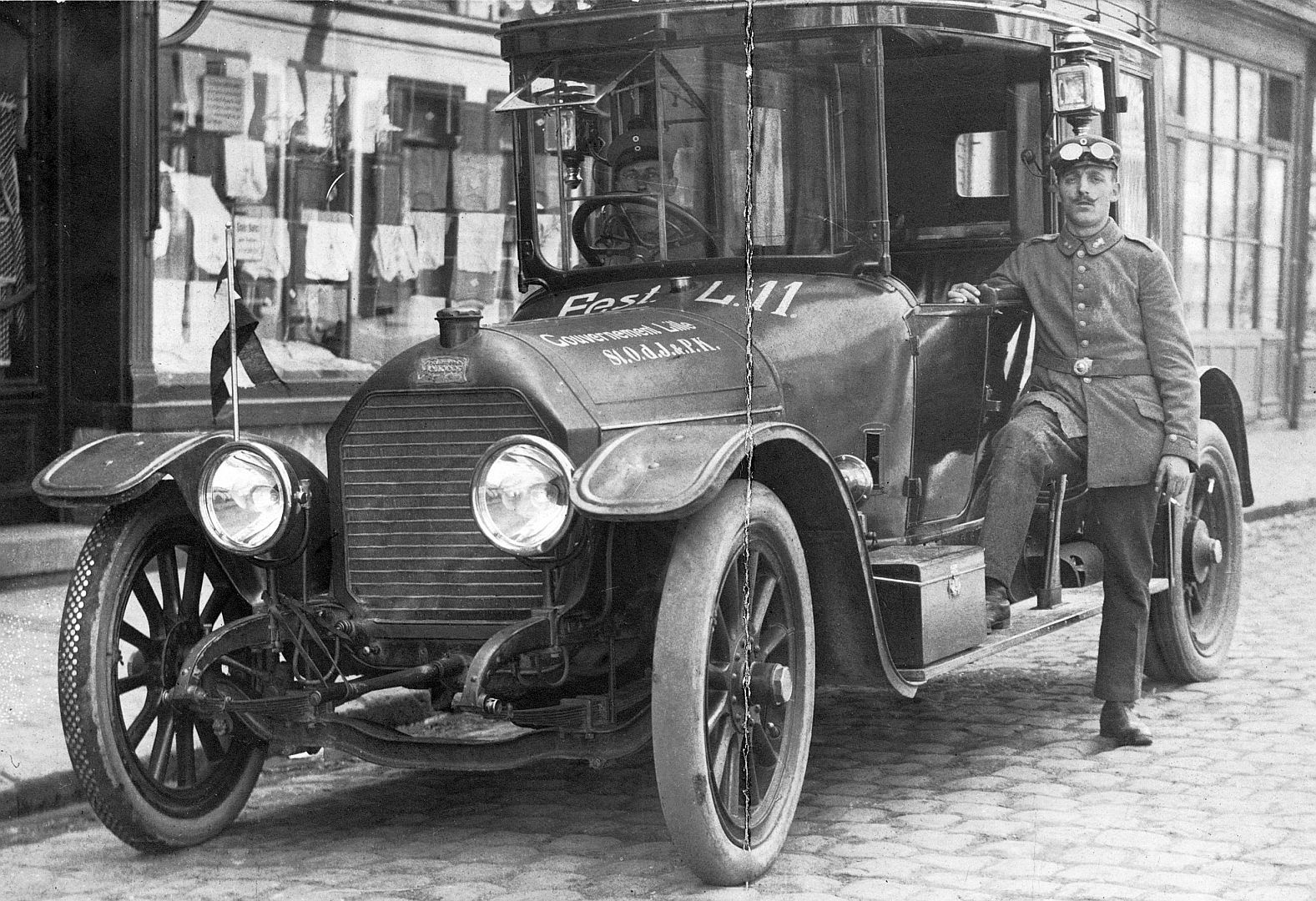 Peugeot_Type_146_ab_1913_Gouvernement_Lille_Galerie