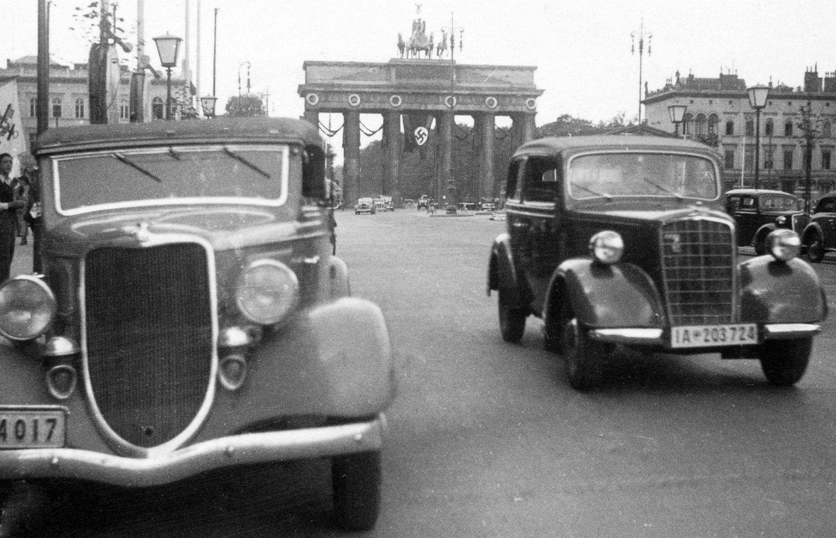 Ford_Rheinland_Opel_2_liter_Berlin_Galerie