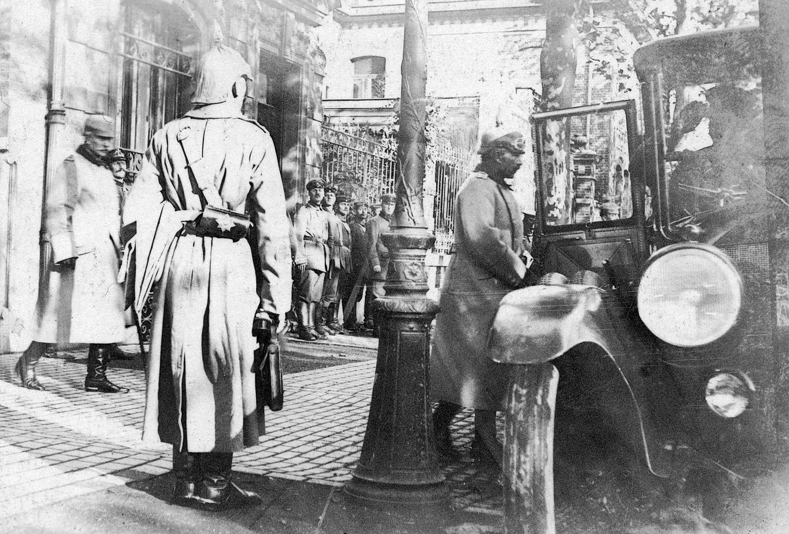 Kaiser_Wilhelm_Ak_von_10-1915_Galerie