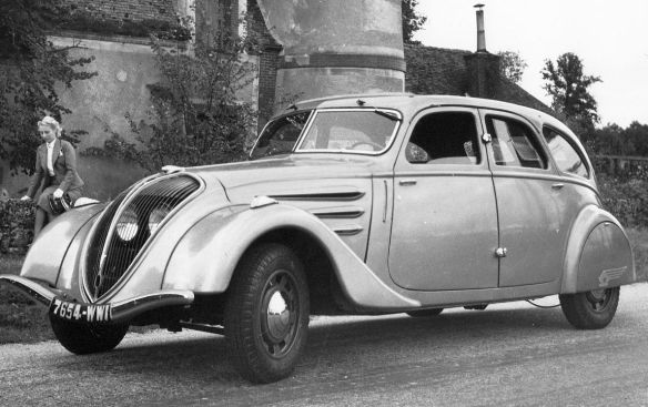 Peugeot_402_works_photo