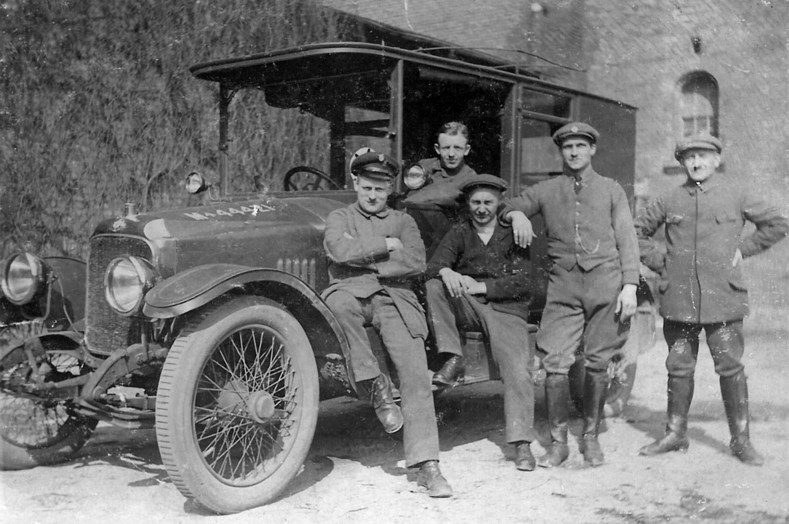 Vauxhall_D_type_staff_car_Wk1_Peter_Pochert_Galerie