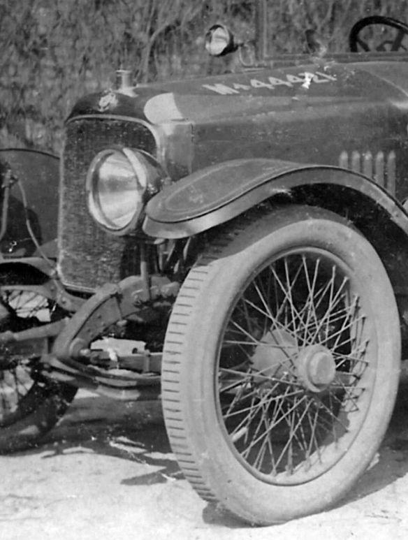 Vauxhall_D_type_staff_car_Wk1_Peter_Pochert_Kühlerpartie