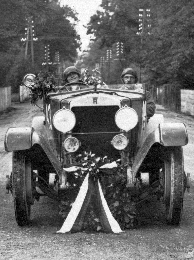 Horch_10-50_PS_24h_Zuverlässigkeitsfahrt_Taunus_1925_Siegerteam_Wagen2