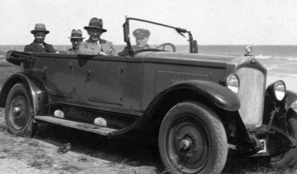 Opel_10-40_PS_Tourer_ab_Herbst_1927_Dierks_Galerie