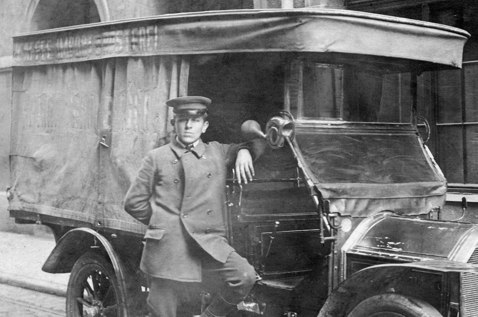 Peugeot_120_oder_122_1908-1910_Berlin_Seitenpartie